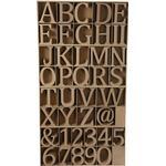 Bokstäver, siffror och symboler av trä, H: 8 cm, tjocklek 1,5 cm, 240