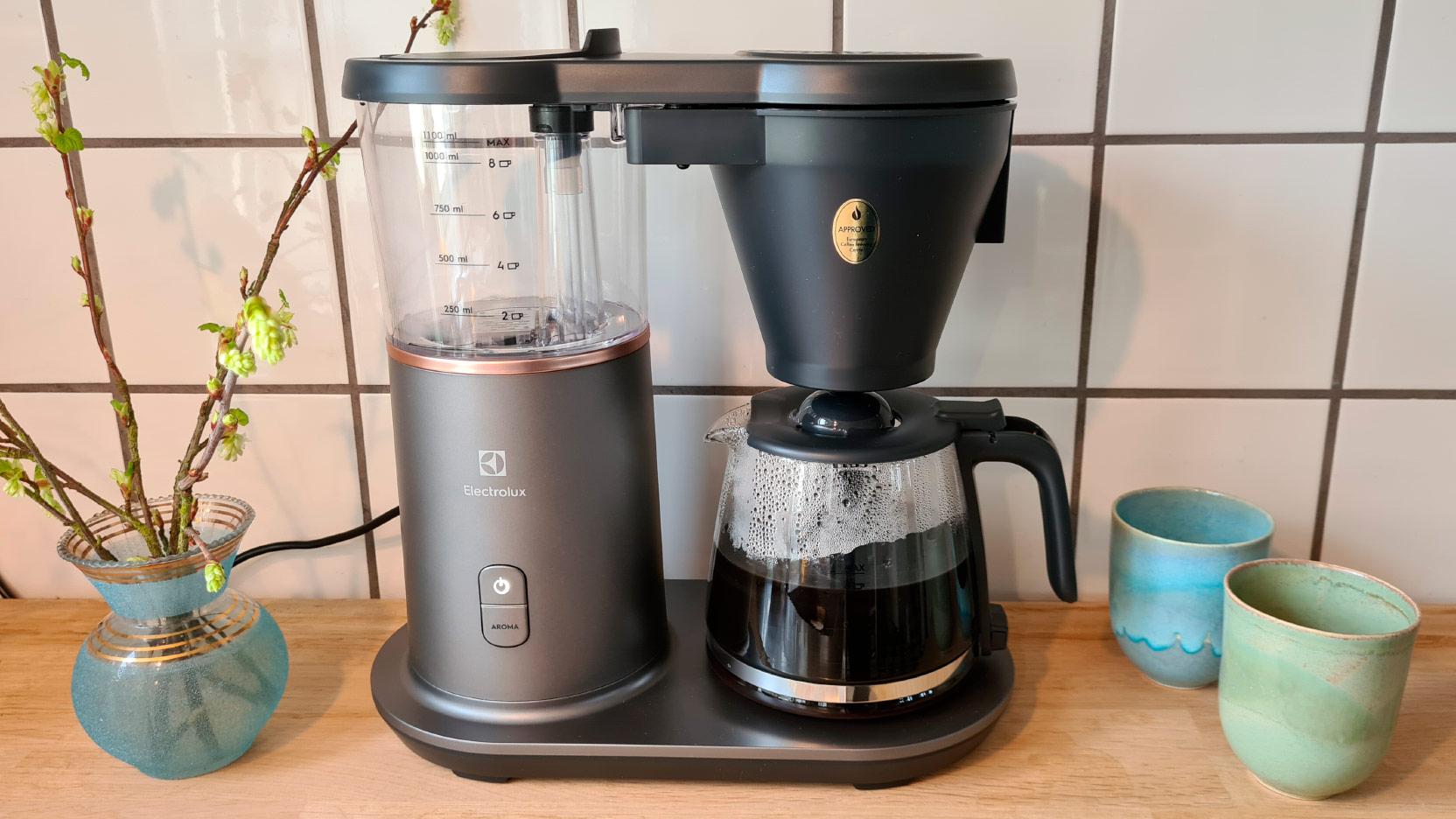 Bild på en nybryggd kanna kaffe med Electrolux Explore 7 kaffebryggare