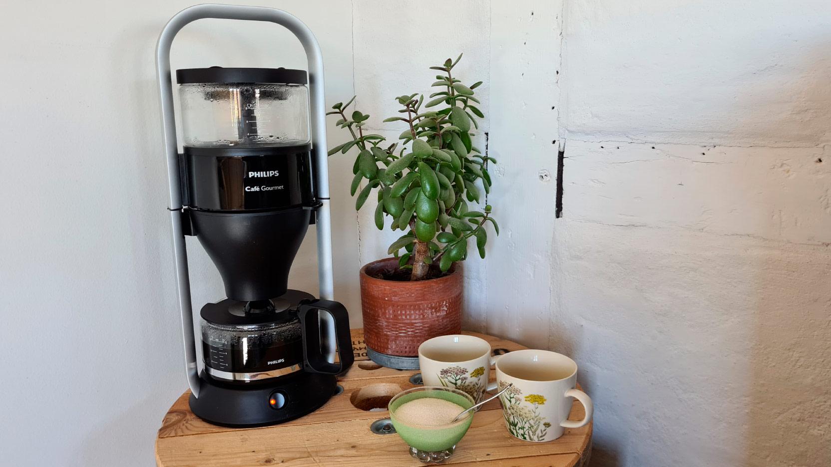 Bild av den höga filterbryggaren Philips Café Gourmet HD5408