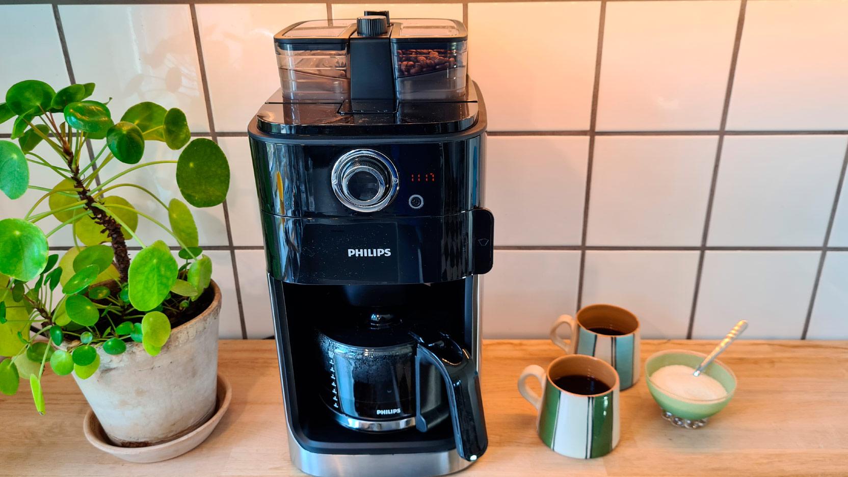 Bild av Philips Grind and Brew HD7769 kaffemaskin med tvådelad behållare för hela kaffebönor