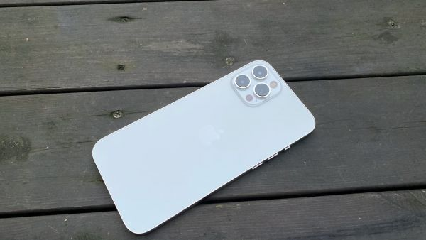 Apple-Iphone-12-Pro-Max-4