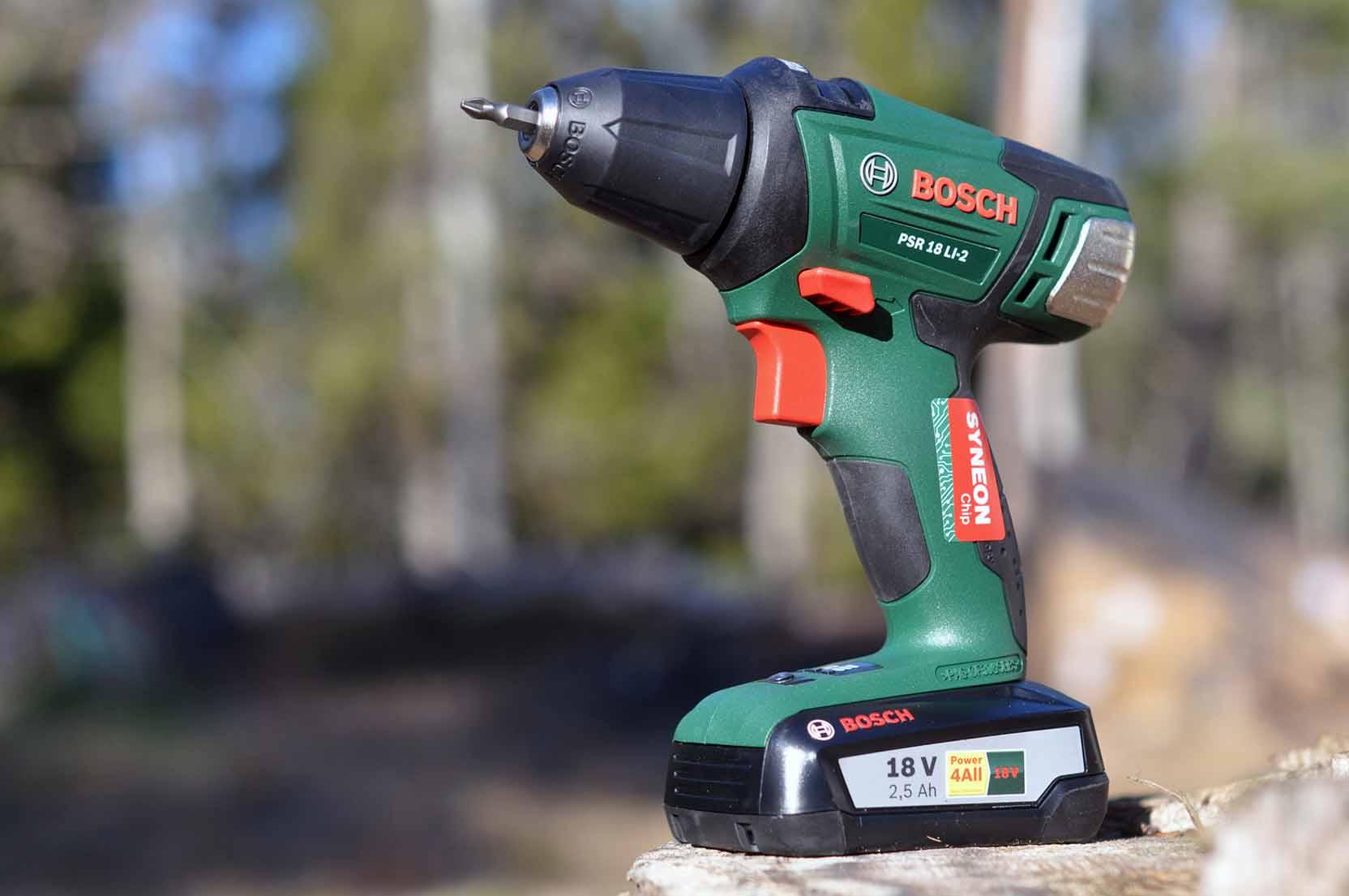 Letar du efter en riktigt stark skruvdragare i mellanklassen är Bosch PSR 18 LI2 ett bra alternativ