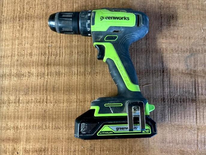 Du som redan har produkter ur Greenworks 24-voltssortiment kan dela batteri mellan maskinerna.