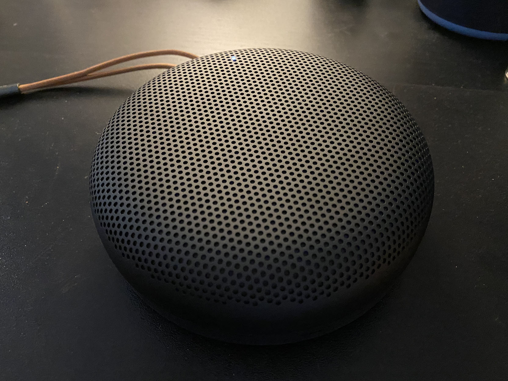 Beoplay A1 testas