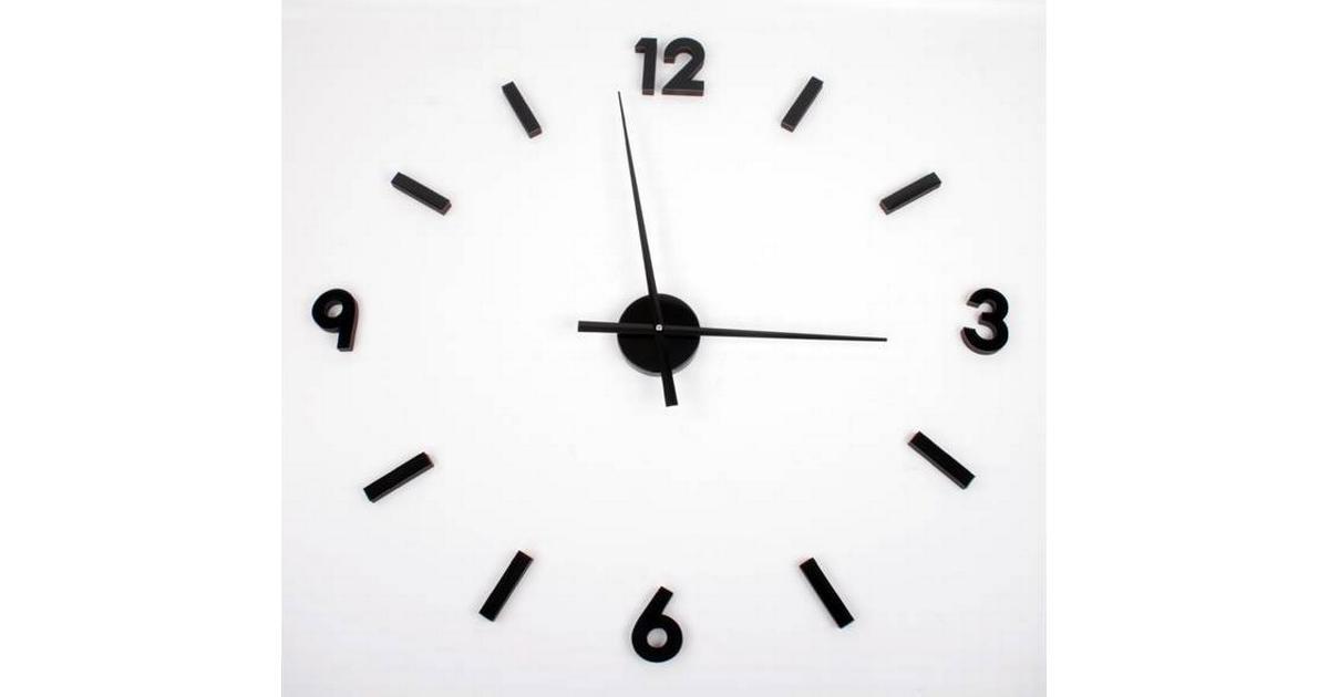 klocka med lösa siffror silver
