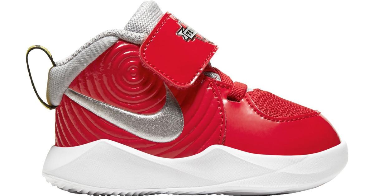 Sko Nike Team Hustle D 9 Auto för barn