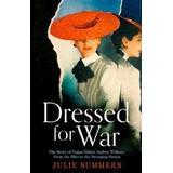 Dressed Böcker Dressed For War