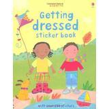 Dressed Böcker Getting Dressed (Usborne Sticker Books)