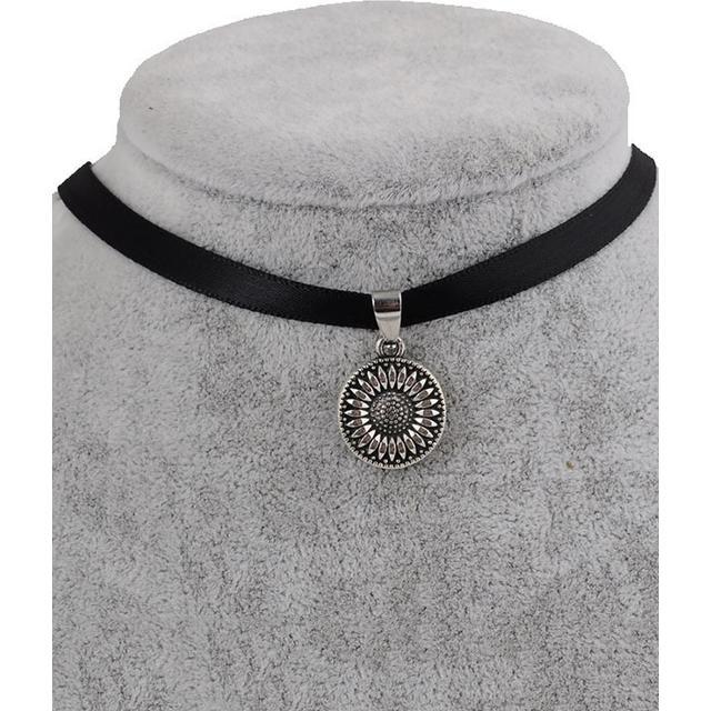 Zaful Sunflower Choker Necklace Faux Leather